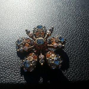 Joan Rivers Jewelry - Joan Rivers flower / snowflake design